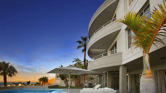 Exclusive Bantry Bay Villa for Holiday Rentals