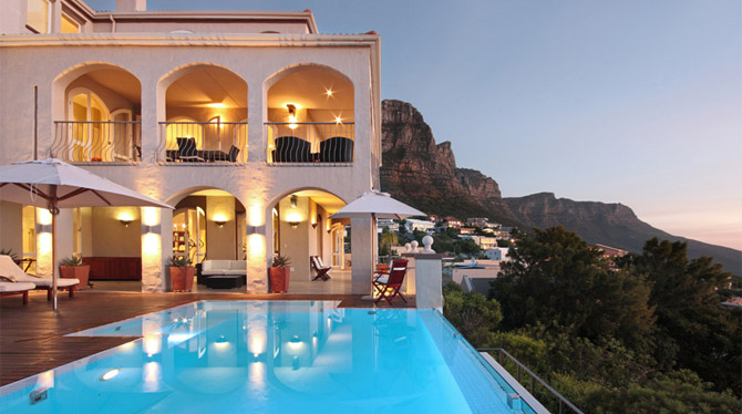 Camps Bay Holiday Villa with Swimming pool and great ocean views