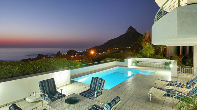 Luxury Villa with a Penthouse in Camps Bay