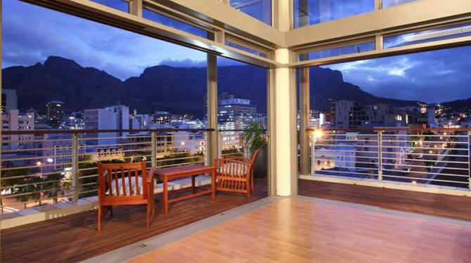 Stunning views over the City of Cape Town on Soho Holiday Apartment in the City Bowl
