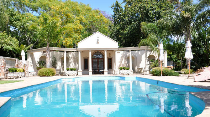 Large Family Villa in Constantia for rent