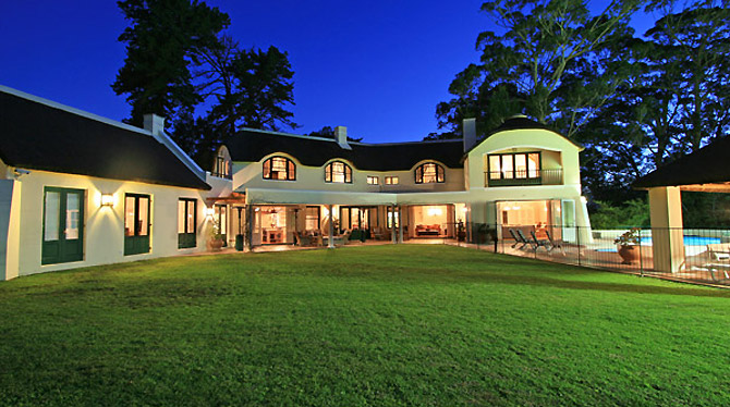 Large Luxury Family Villa in Constantia
