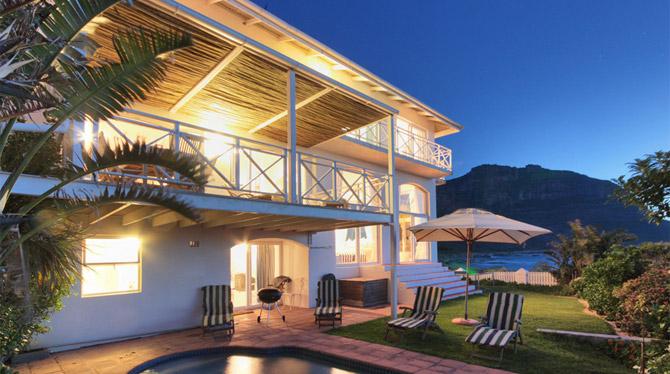 Luxurious 4 Bedroom Villa with great sea and mountain views in Llandudno Sandy Bay