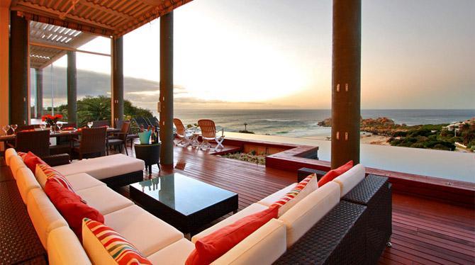 Upmarket holiday rental in the beautiful seaside suburb of Llandudno
