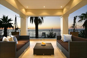 5 Bedroom Unfurninshed Villa to Rent Long Term in Bantry Bay in Cape Town