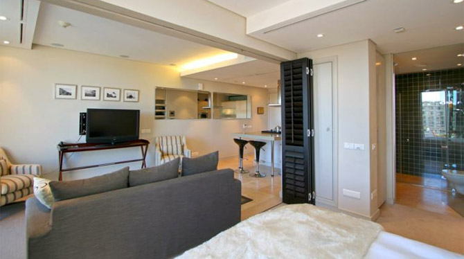 One Double Bedroom Holiday Apartment to rent at the V and A Waterfront in Cape Town